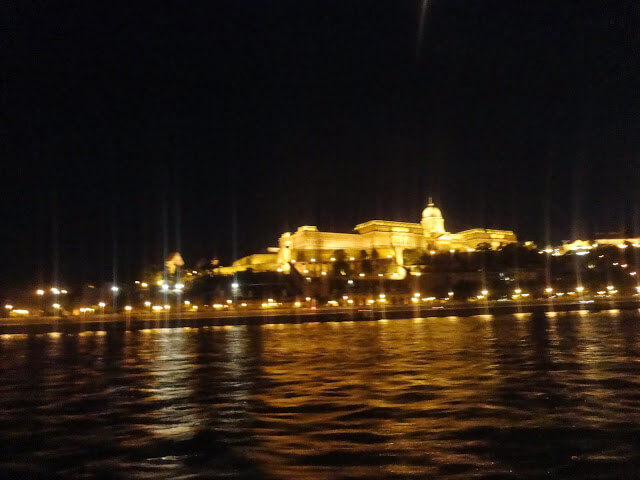 What are the main tourist attractions of Budapest