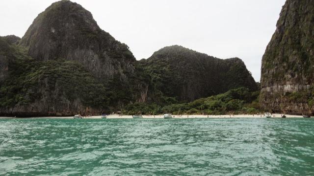 Famosa Praia de Maya Bay