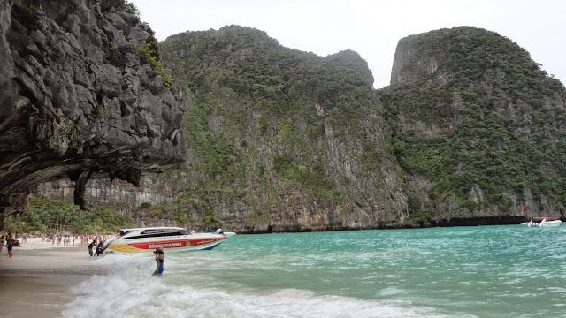Maya Bay Beach a Phi Phi Thailandia