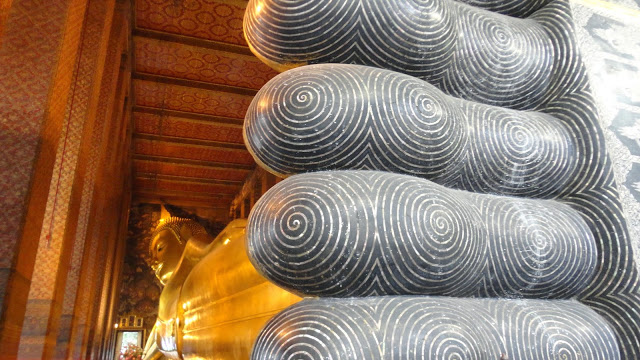 Budha gigante de Ouro