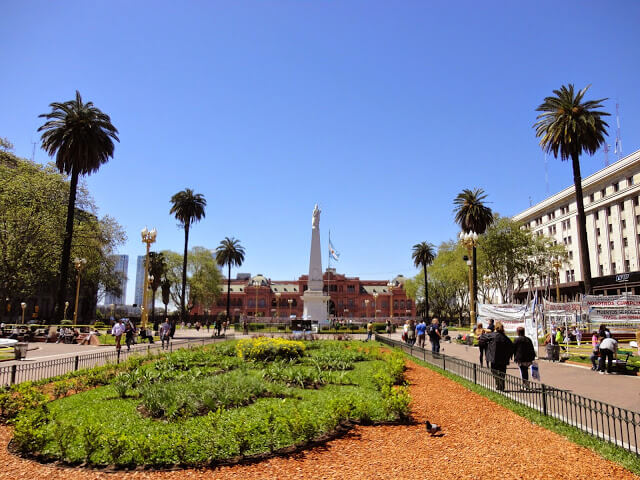 Plaza de Mayo and Casa Rosada