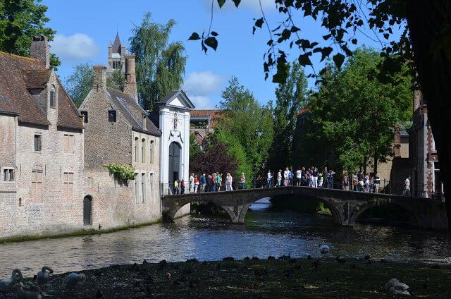 Canais de Bruges na Belgica