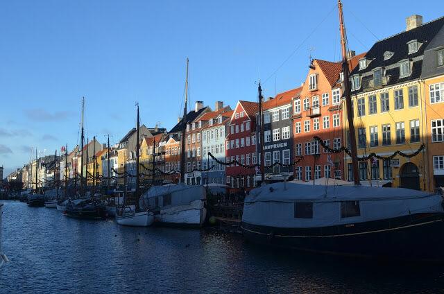 Rua Nyhavn a famosa rua de Copenhague