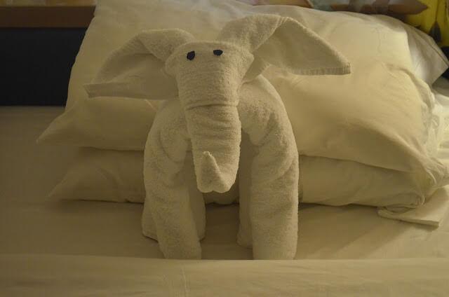 escultura na toalha