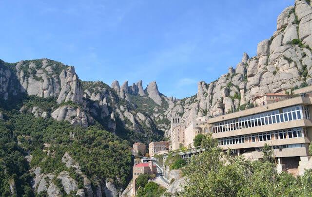 monastério e santuário Montserrat na Espanha