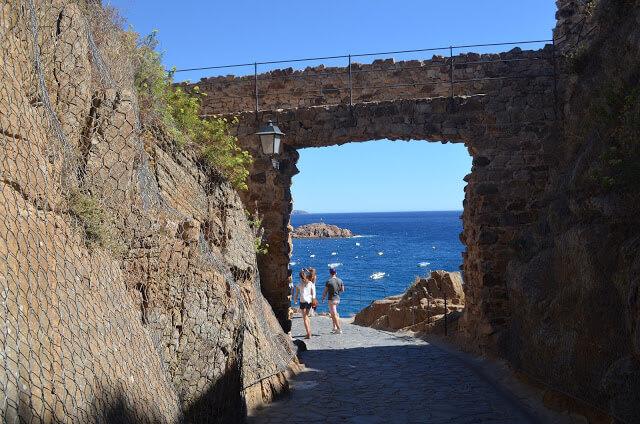 Castelo de Tossa de Mar é do século XII