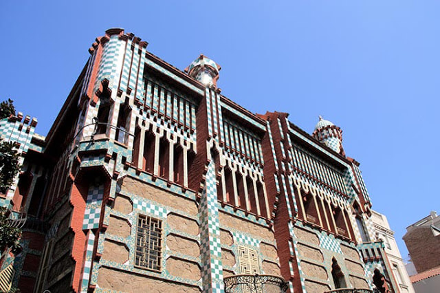 The exoticism of oriental Casa Vicens