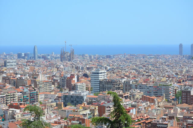 Indication of hostels and hotels in Barcelona