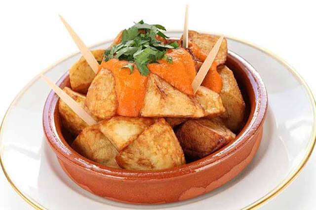 Patatas Bravas!! Dónde comer lo mejor de Barcelona?