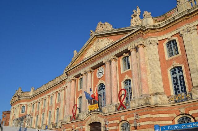 Praça do Capitole, Capitole e Teatro do Capitole