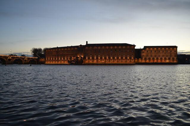 Garonne et le port de la Daurade