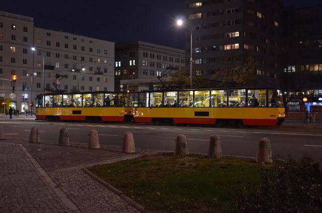Warsaw, caput Poland, plena fabulam narrare