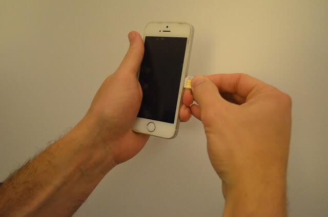 Comprar un chip de celular para viajes internacionales, vale a pena?