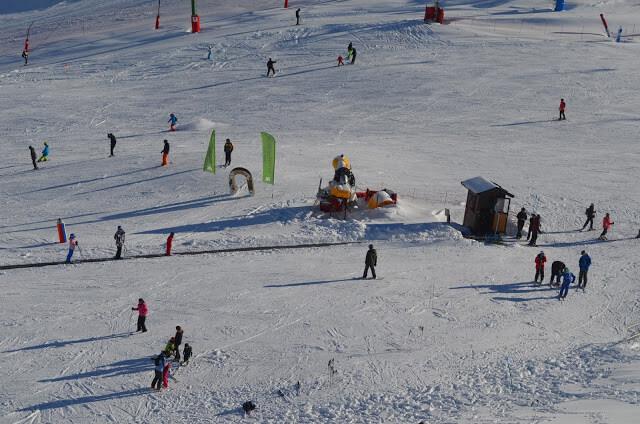 Christian Gutierrez esquiando