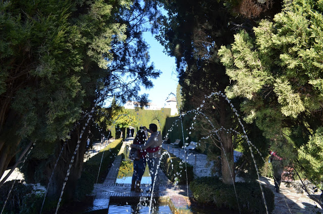 ഗ്രെനാഡ, Alhambra e Sierra Nevada