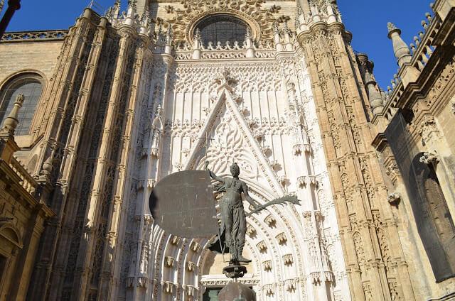 Facciata della Cattedrale di Siviglia