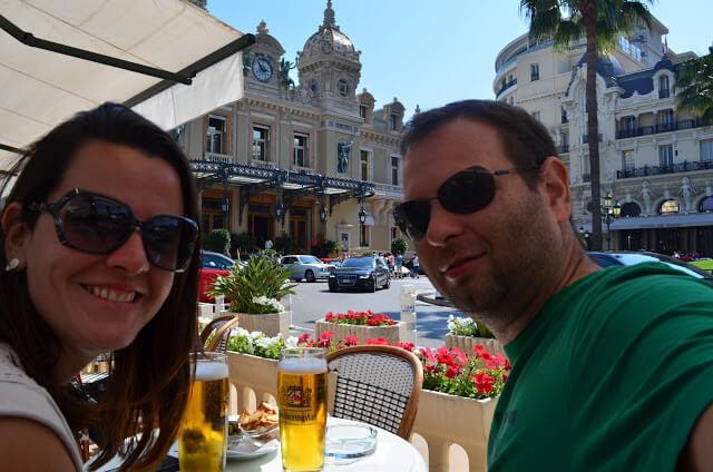 Cerveja em Monaco, Priscila e Christian Gutierrez
