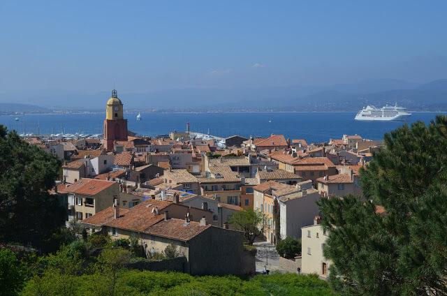 Saint Tropez, famosa cidade das baladas, no sul da França