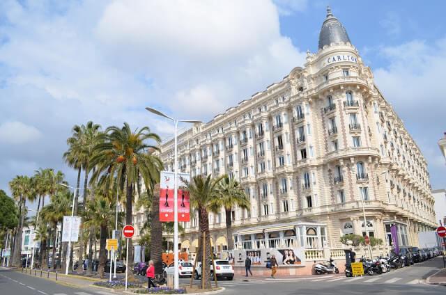 famoso hotel Carlton Intercontinetal