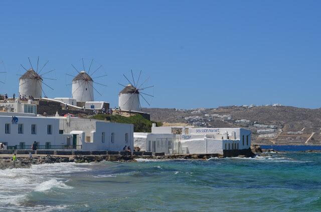 Mykonos em grego ou Míconos em português