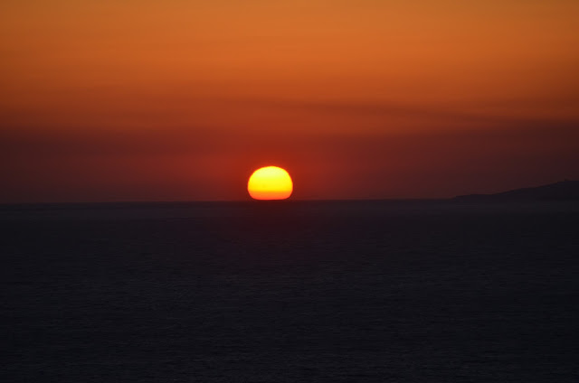 Do navio vimos outro pôr-do-sol fantástico.