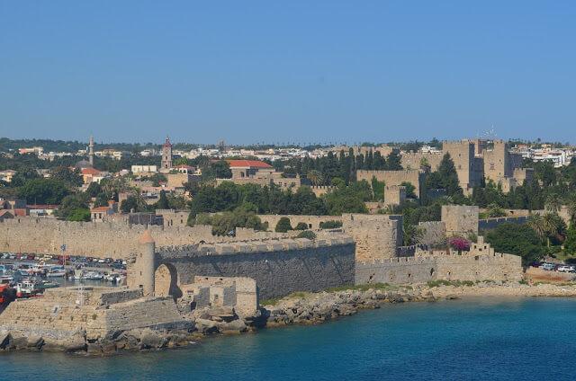 Muralha e a cidade medieval de Rodes