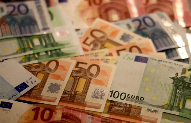Est-ce que voyager en dehors du Brésil et doivent acheter des devises étrangères? Découvrez où acheter pas cher.