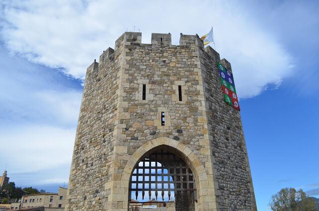 Torre da ponte de Besalu