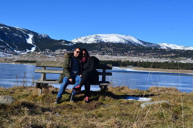 A gente num lago congelado