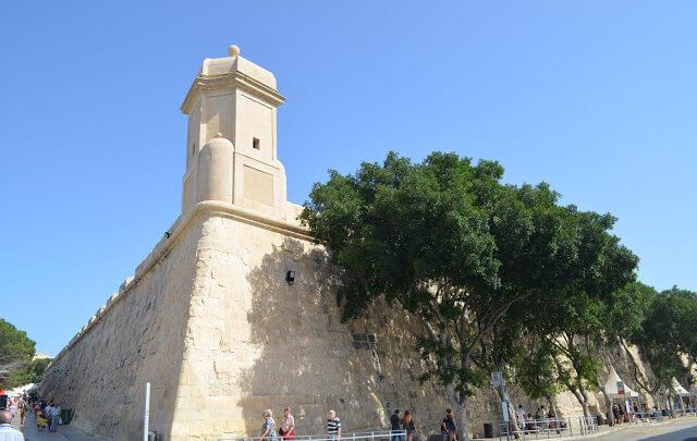 Parte da muralha da cidade antiga de Valeta