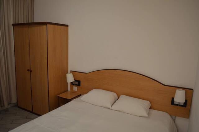 Ficamos no hotel Residence Studio Genève Centre