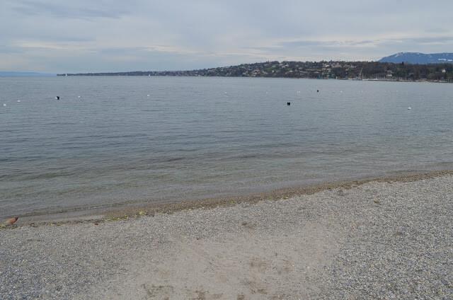 praia do Lago Lemán chamado de Banhos des Pâquis