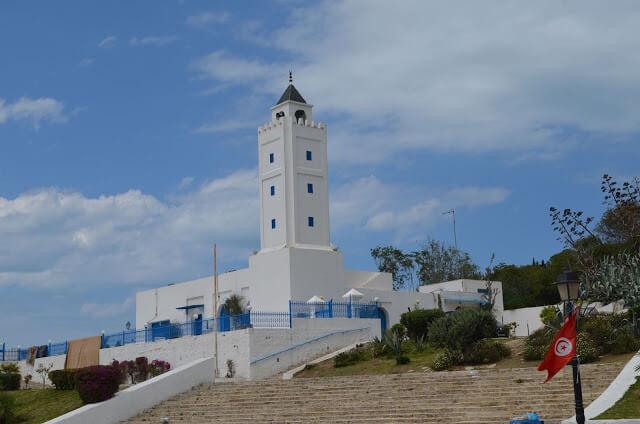 Sidi Bou Said, é uma cidade no litoral da Tunísia