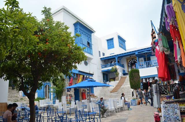 a cidade branca e azul da Tunísia