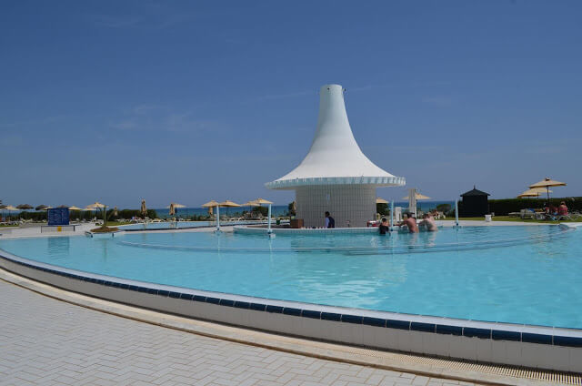 Piscina do IberoStar Averroes