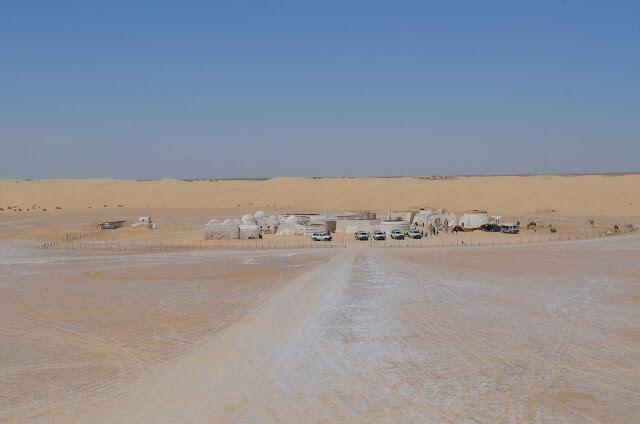 vila onde viveu na ficção o Luke Skywalker no episódio IV