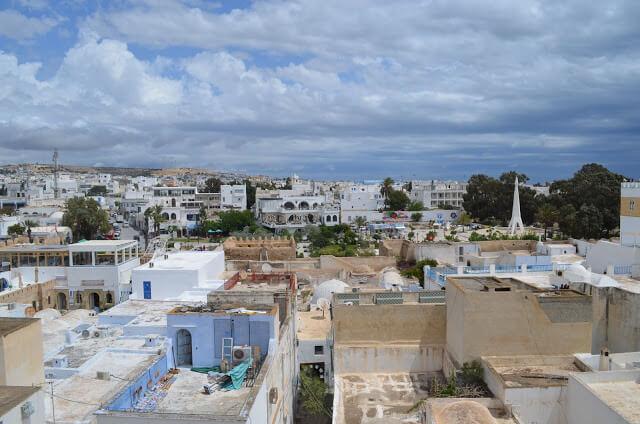 lindas praias da Tunísia