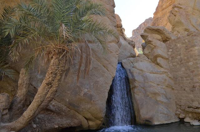 oasis de Chebika en Tunisie, paradis au milieu du désert du Sahara