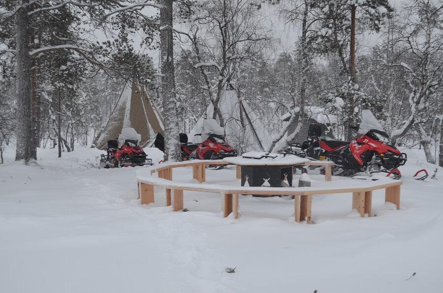 moto de neve na Lapônia