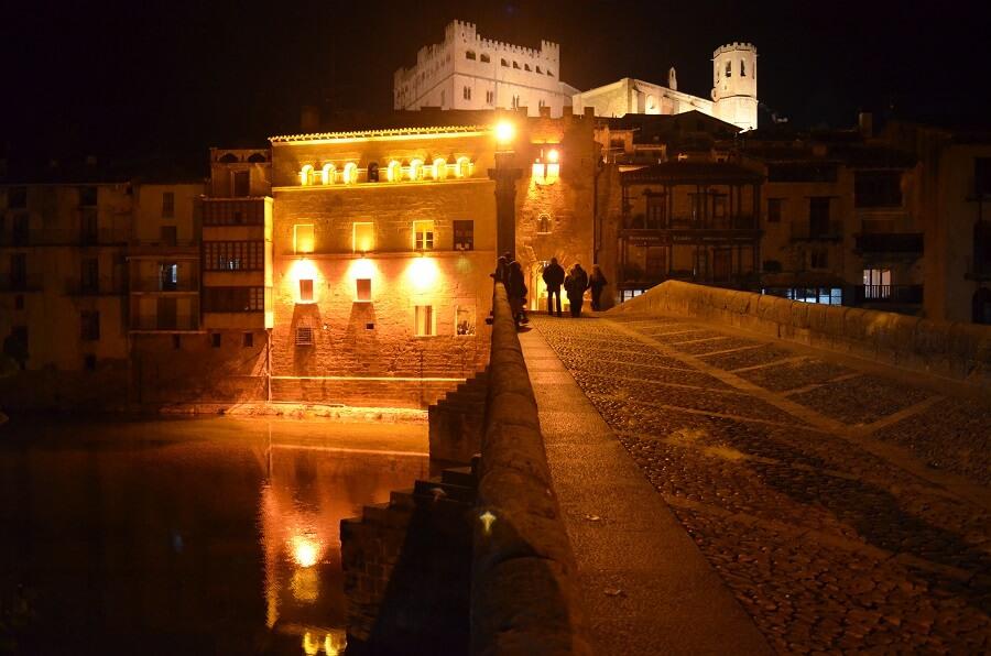 Castelo de Valderrobres de noite