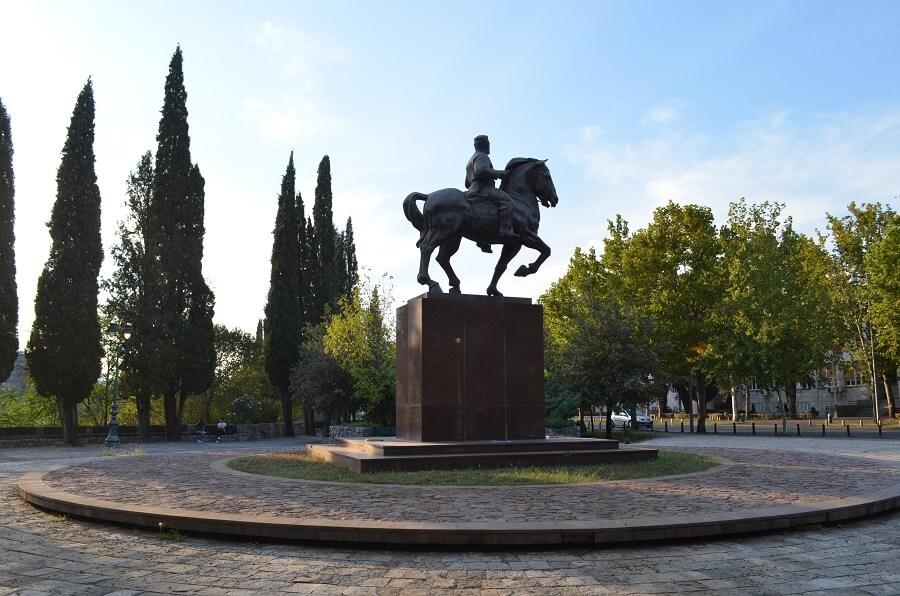 Kuningas Nikolan muistomerkki