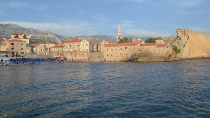 O que fazer em Budva no litoral de Montenegro?