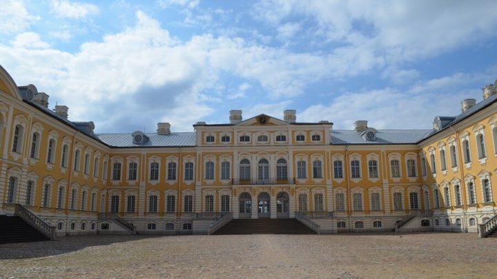 Palácio de Rundale na Letônia, o Versailles do Báltico