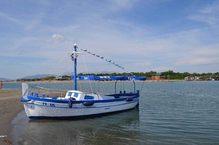 Bar è una città sulla costa sud del Montenegro