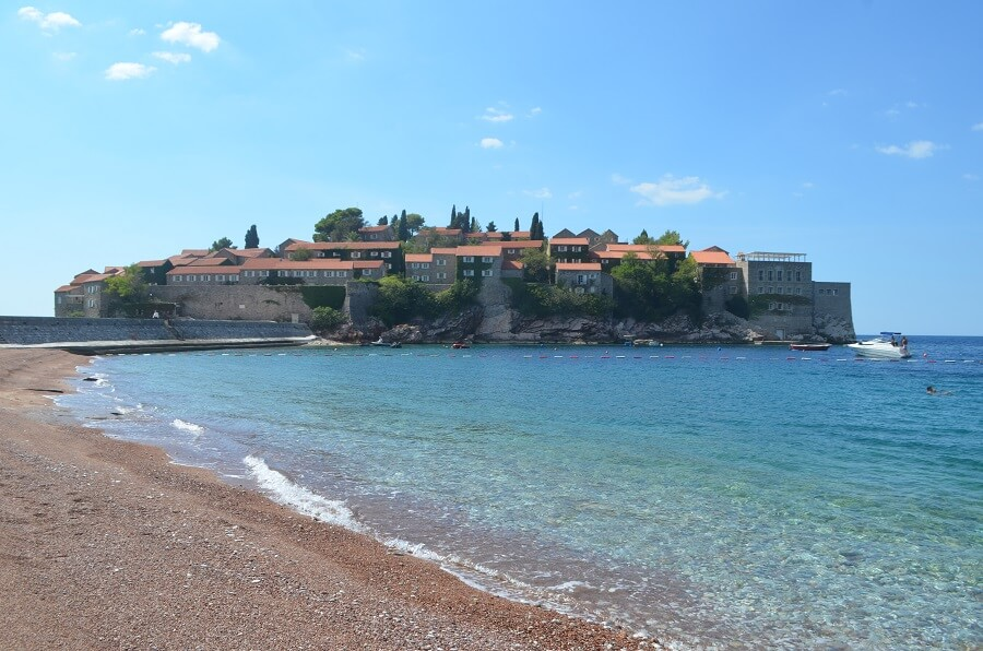 Guión de Montenegro, lo que debe hacer en el país?