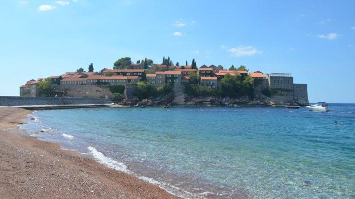 Bar, na costa sul de Montenegro
