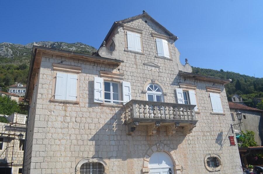 Palácio Smekja