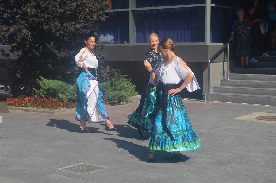dança típica romena