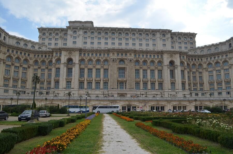 Romanian parlamentti, Bukarest Romaniassa