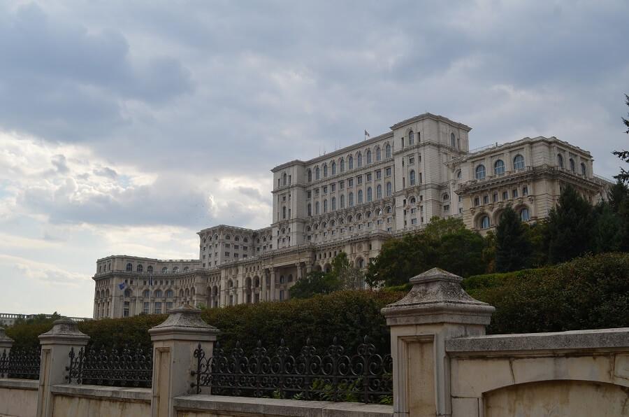 Romanian parlamentti tai parlamentin palatsi, Bukarest Romaniassa